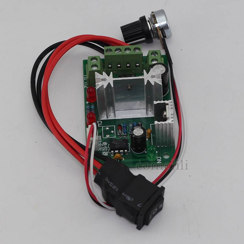 PWM-DC-motor-Speed-Controller-Module-with-Switchable-Potentiometer-6V-30V-200W