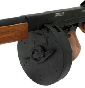 Thompson Machine Gun Drum http://www.ebay.co.uk/itm/M1A1-THOMPSON-Airsoft-Tommy-Machine-Gun-DRUM-MAGAZINE-/250807297096