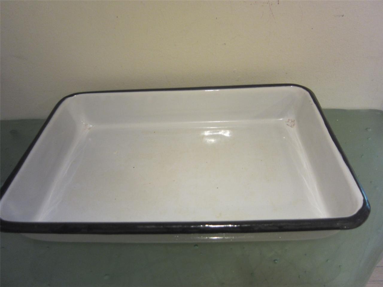 white enamel vintage white black cookware porcelain baking. Black Bedroom Furniture Sets. Home Design Ideas