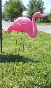 Plastic Pink Flamingo Bird Yard Lawn Ornament Decoration