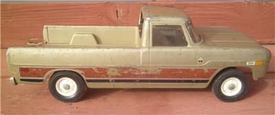 Vintage Ertl IH International Harvester Farm Pickup Truck Die Cast Parts