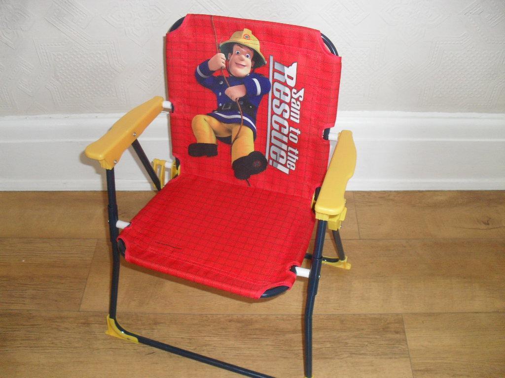 BNWT Children s kids garden folding patio picnic chair Fireman Sam Peppa