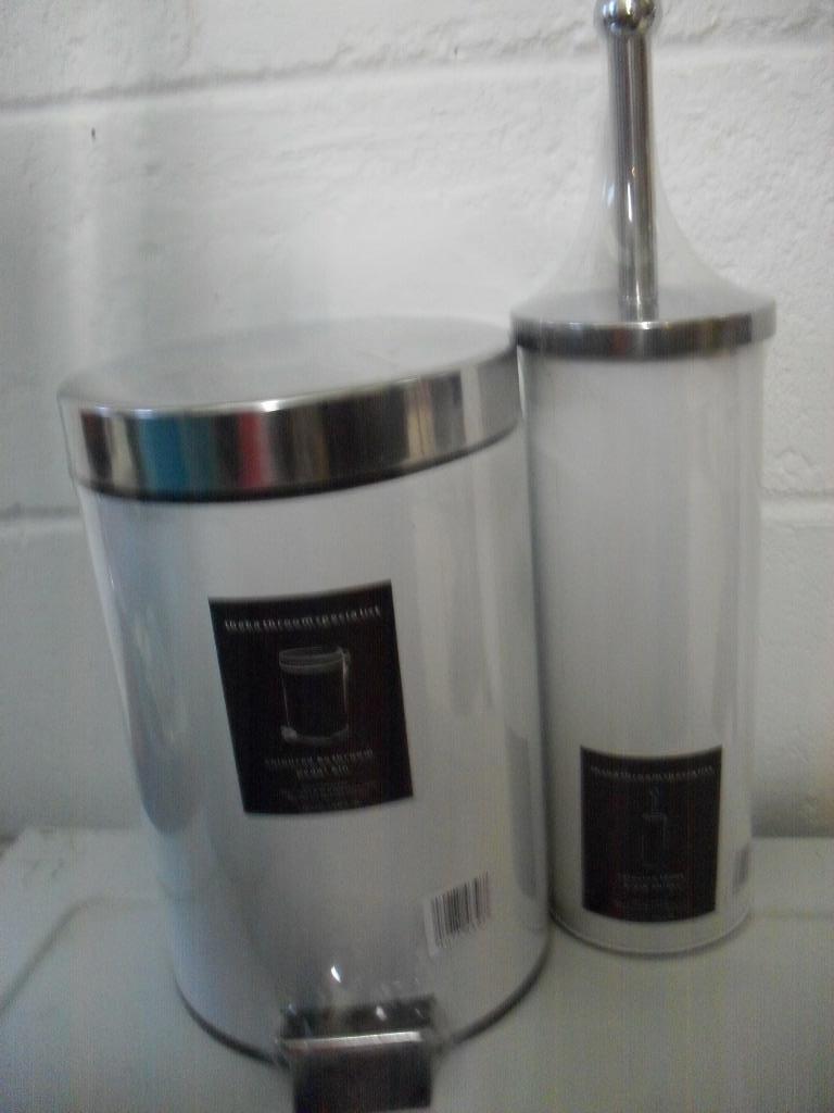 New bathroom toilet brush holder and pedal bin set pink for Black bathroom bin and toilet brush