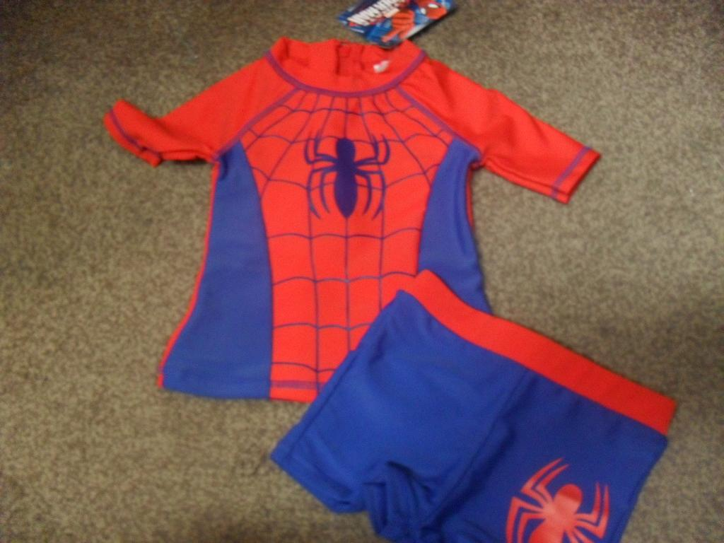 BNWT-Marvel-Ultimate-Spiderman-boys-2-piece-swimsuit-swimming-outfit