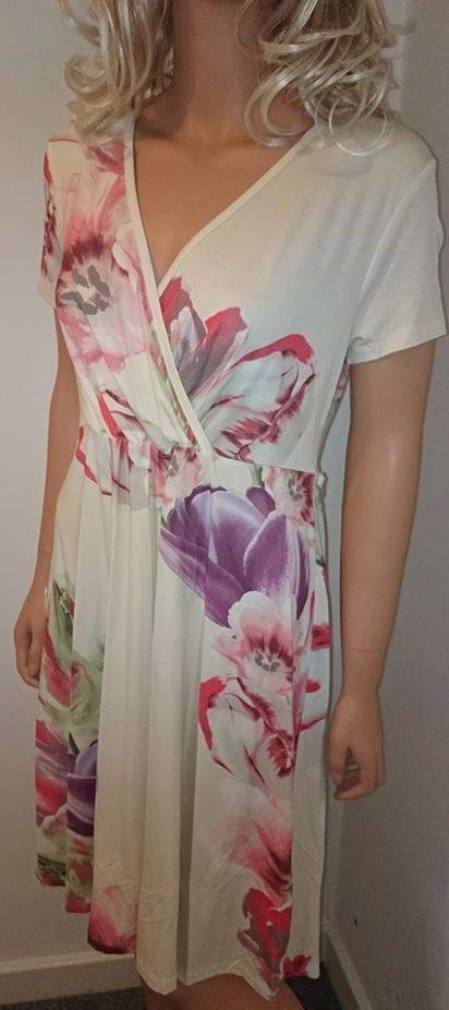 New-Ladies-Beautiful-ex-M-S-Cream-Floral-Dress-Size-12-LAST-FEW