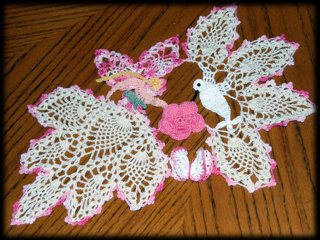 Free Crochet Hummingbird Doily Pattern : FAIRY GODMOTHER HUMMINGBIRD ROSE HANDMADE CROCHET DOILY eBay