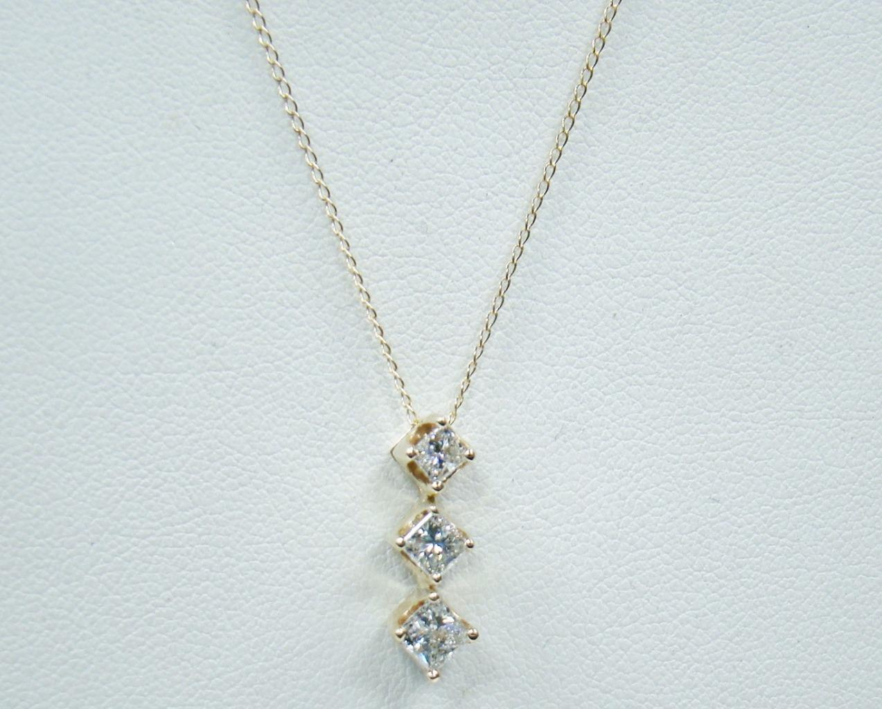 "Zales Jewelry Necklaces >> 14K YELLOW GOLD ZALES DIAMOND PENDANT 1.00 CTTW 14K 16"" NECKLACE 3 PRINCESS CUTS"