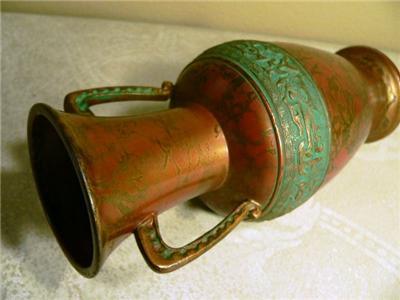 Vase Ikebana - Antique Trunk