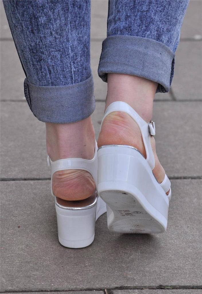 Vtg-Retro-NEW-cut-out-jelly-Chunky-White-PVC-Sandal-Flatform-Wedge-Heel-shoes