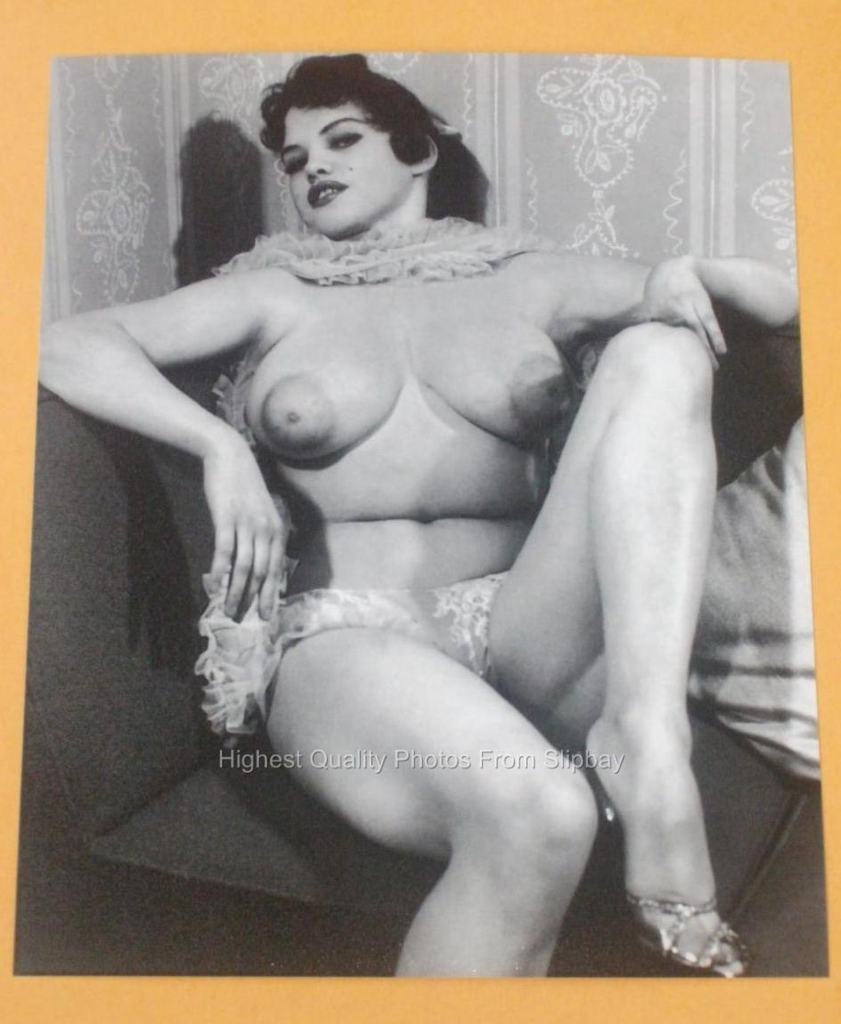 Hot nude vintage girls cannot