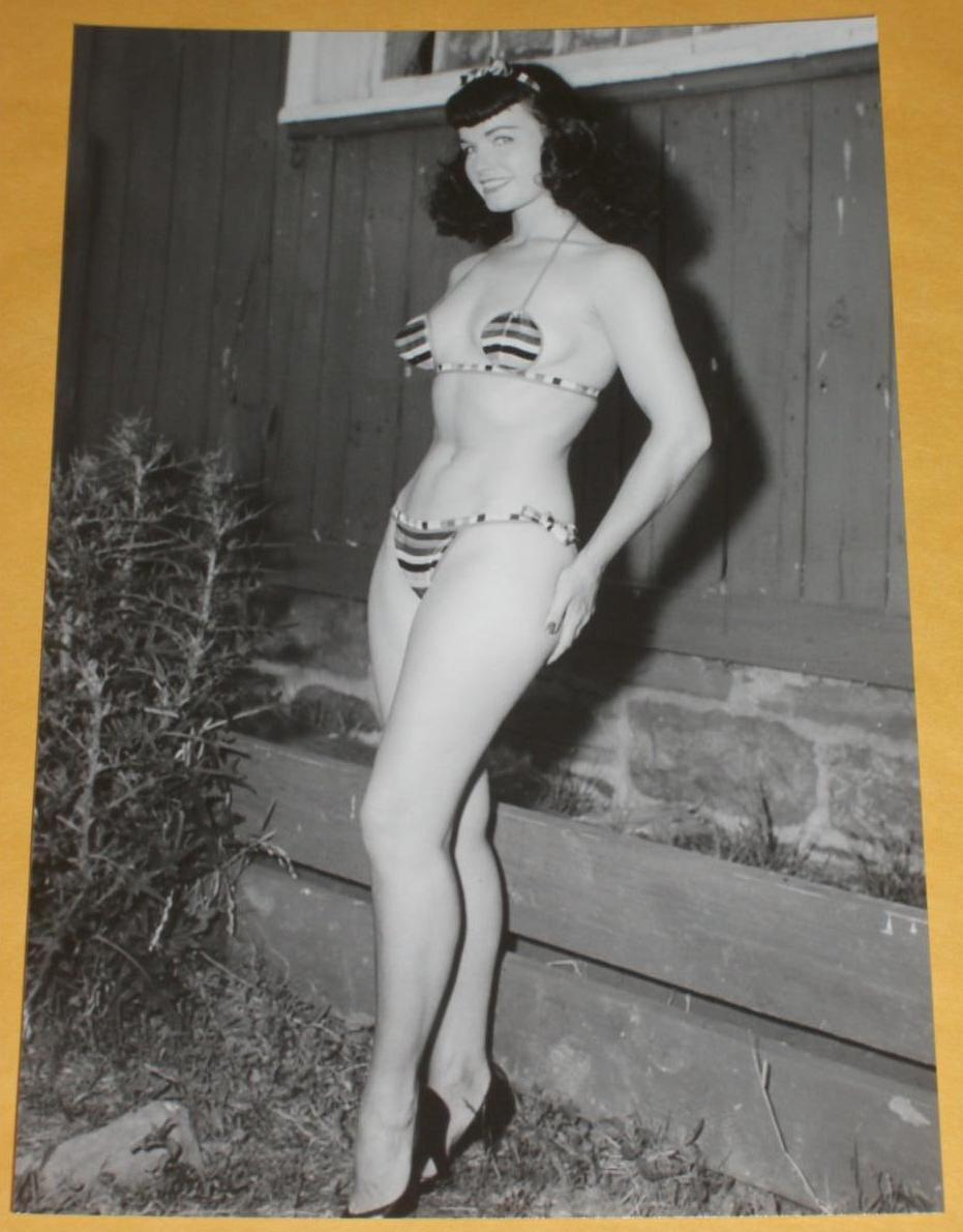 Sexy 60s women