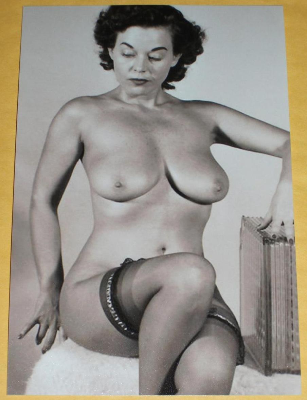 vintage nude big butt