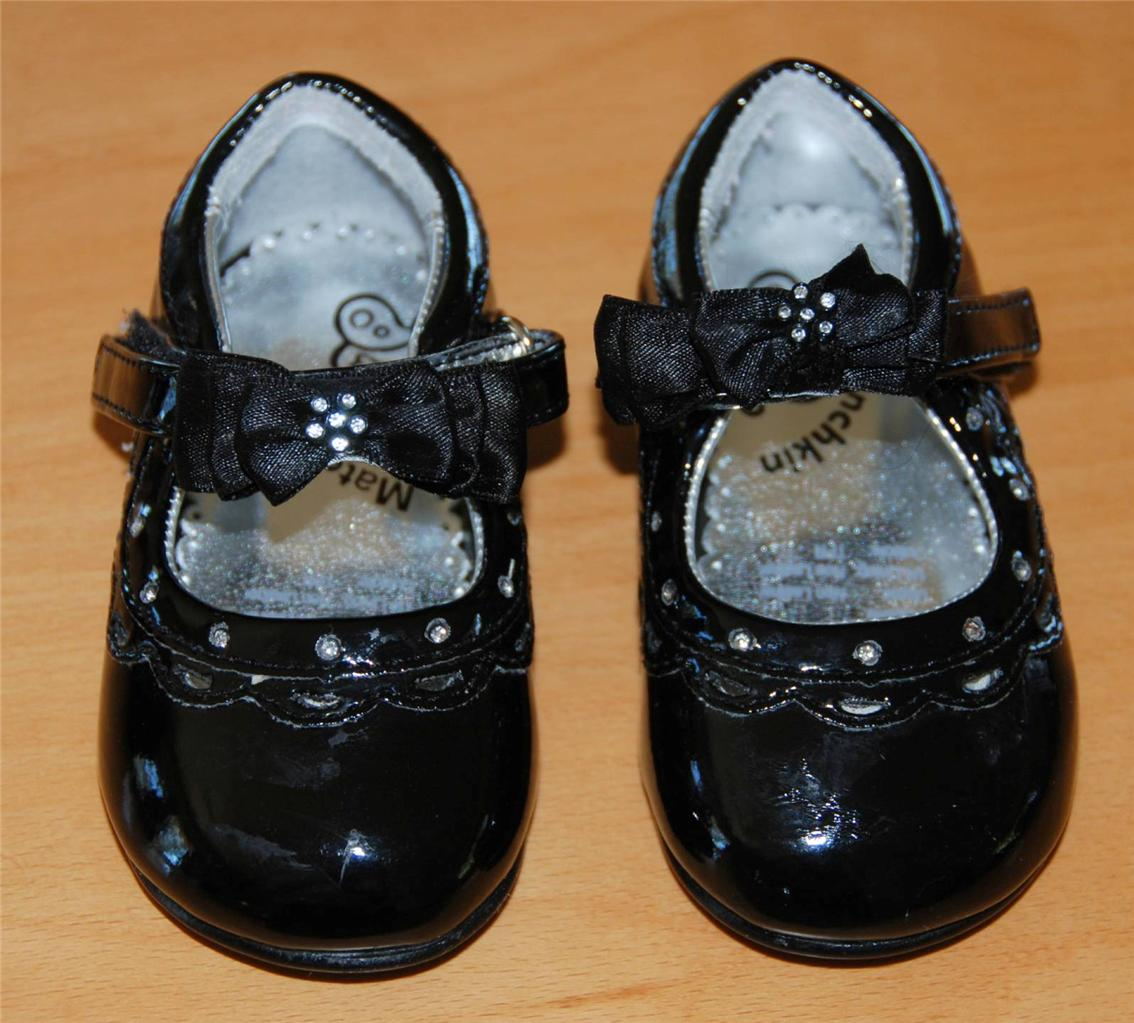 baby girls size 4 Munchkin toddler party patent leather