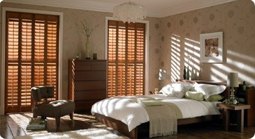 Western-Red-Cedar-timber-wood-plantation-shutter