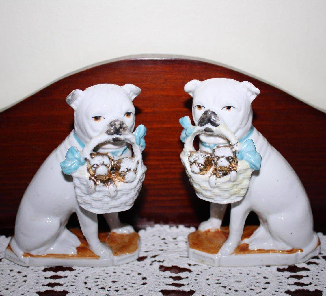 Pair-of-Pug-Dogs-with-Baskets-of-Puppies-Mantle-Piece-11cm-High-RARE-Cute