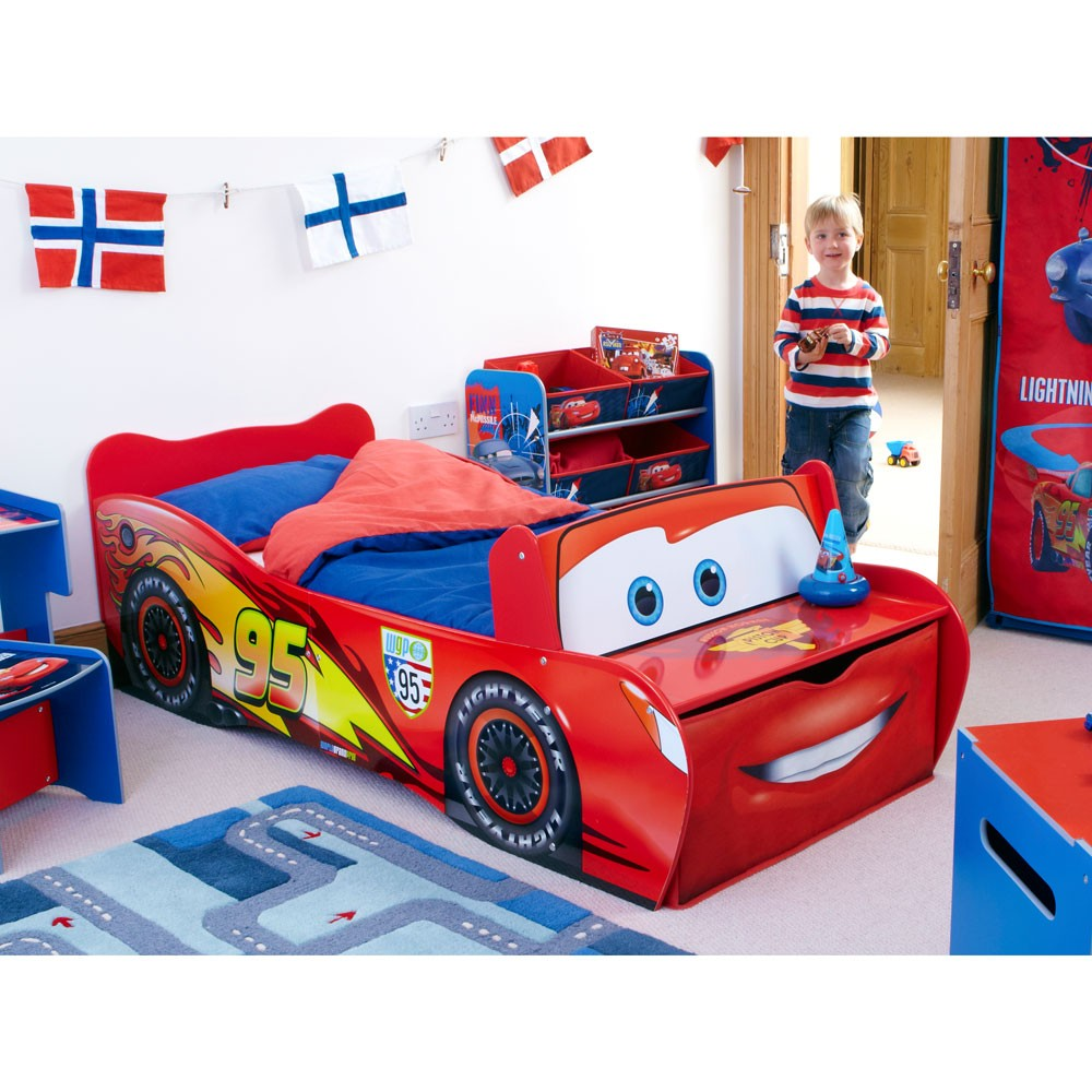 Disney cars toddler feature bed lightning mcqueen new ebay - Toddler beds for boys ...