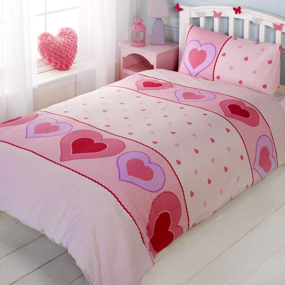 A double duvet cover is approximately 78 inches long by 78 inches wide. Single duvet covers are not quite as wide as the double duvet covers, spanning a width of about 60 inches. King size duvet covers are available that are 86 inches wide by 94 inches long. Duvet covers are designed to fit over.