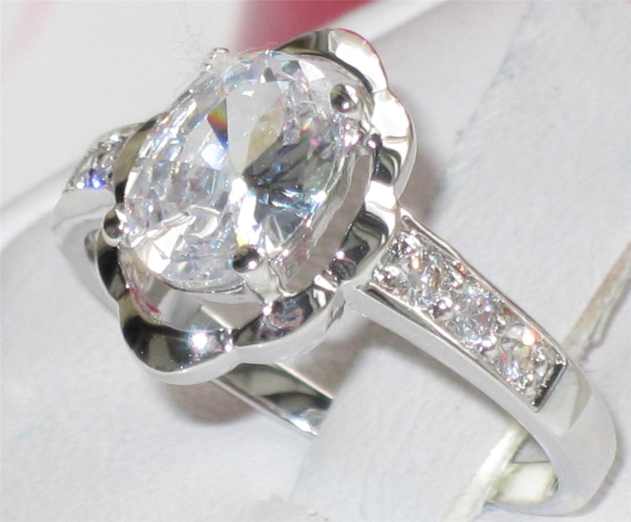 SALE WOMENS OVAL CUT SOLITAIRE PRETTY 1 65CT SIMULATED DIAMOND RING R287