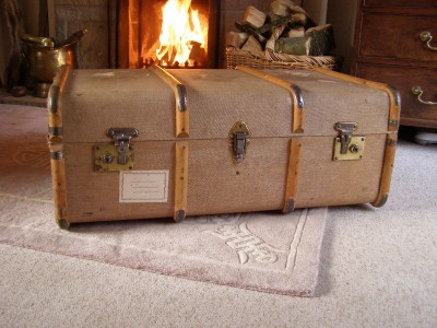 Antique Vintage Beech Bound Steamer Trunk Coffee Table Storage Blanket