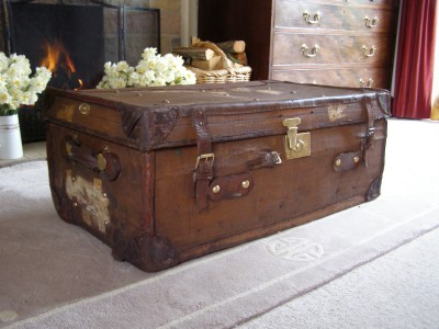 Antique Vintage Leather Steamer Trunk Coffee Table Blanket Box Ebay
