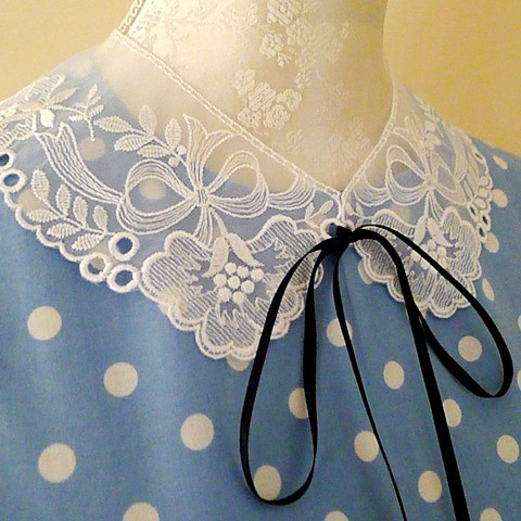detachable-white-lace-peter-pan-collar-necklace-bow-ribbon-vintage-retro