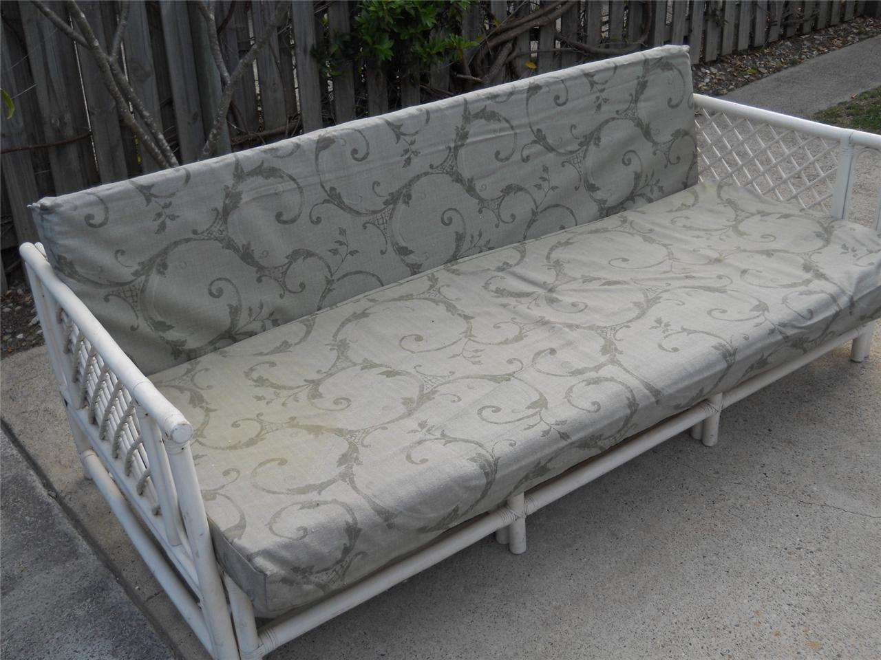 Vintage cane wicker daybed divan shabby chic outdoor for Divan daybed