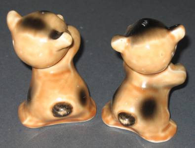 Vintage bear hug salt and pepper set van tellingen hugging bears bottom mark ebay - Salt and pepper hug ...