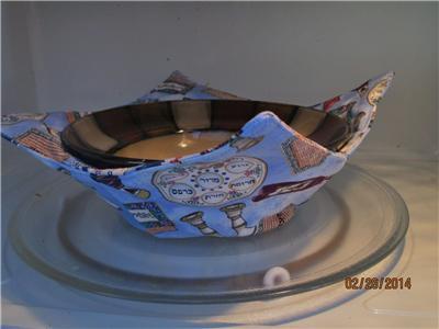 passover seder items haggadah matzah haggadah microwave bowl holder potholder. Black Bedroom Furniture Sets. Home Design Ideas