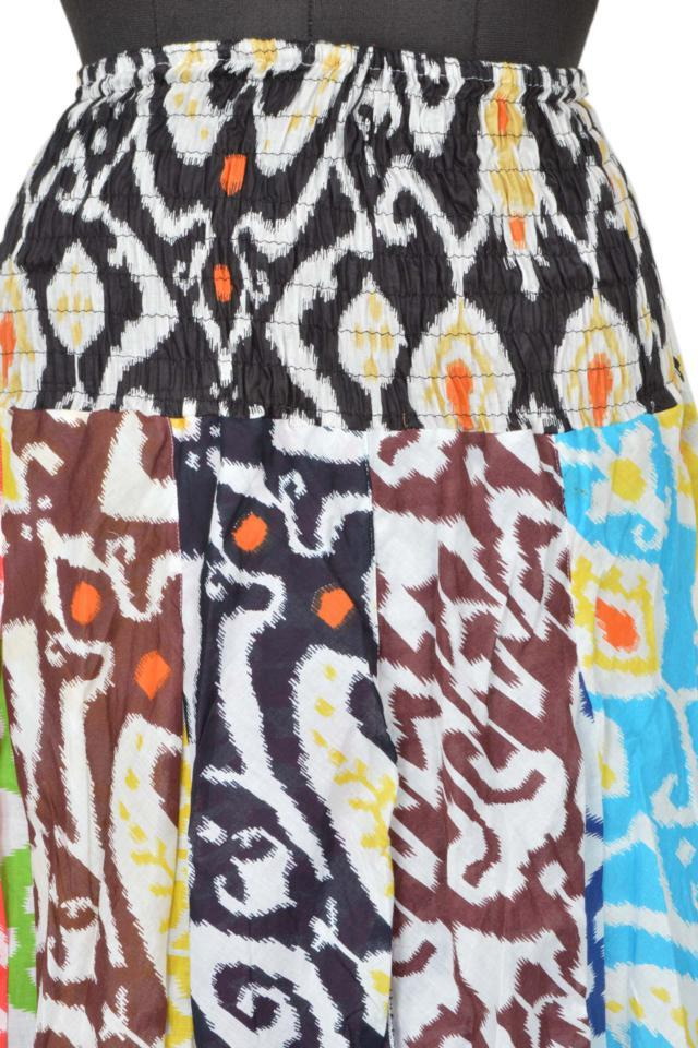 The advantage of this skirt is that it can be accessorised with