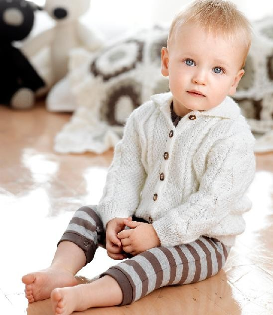 Free Knitting Pattern Baby Aran Cardigan : Crafty Frog: Patons Big Baby 4ply & 2 Free Baby Patterns