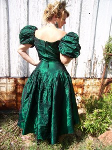 Old West Saloon Girl Dresses http://www.ebay.com/itm/VINTAGE-SALOON-GIRL-OLD-WEST-80S-PROM-DRESS-CIVIL-WAR-FRONTIER-/260872446074