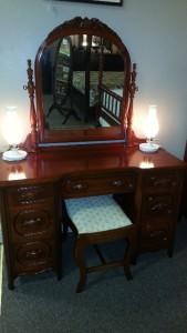 Lillian Russell Bedroom Furniture : ... DAVIS FURNITURE LILLIAN RUSSELL SOLID AMERICAN WILD CHERRY BEDROOM SET