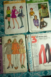 50 + Vintage Retro Womens Clothing Sewing Patterns 60s 70s Great Pics