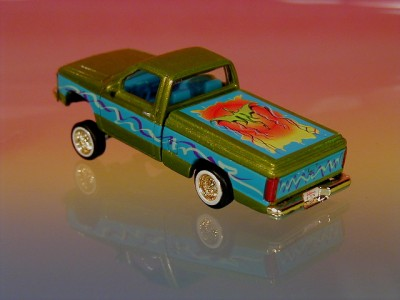 Hot 90 Chevy S10 Pickup Truck Lowrider Limited Edition 1/64 Scale