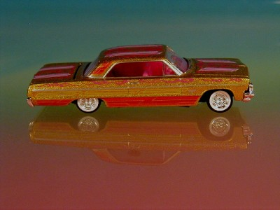 Hot 64 Chevy Impala Custom Lowrider Limited Edition Gold 1 64 Scale