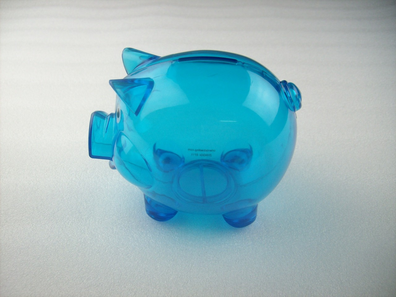 Transparent plastic coin pig piggy money bank blue with stopper ebay - Resin piggy banks ...