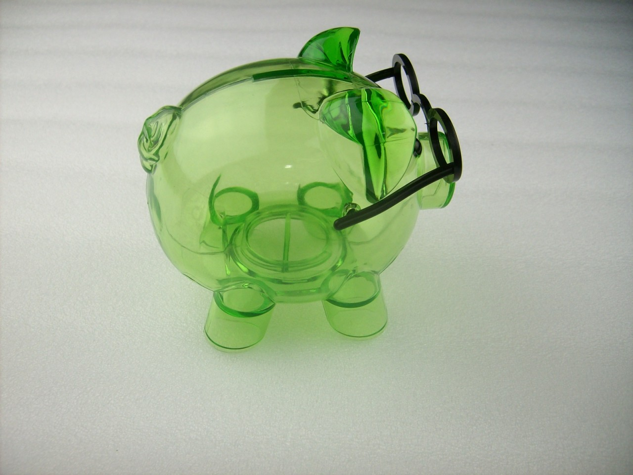 Clear hard plastic pig with glasses coin piggy money bank with stopper green ebay - Resin piggy banks ...