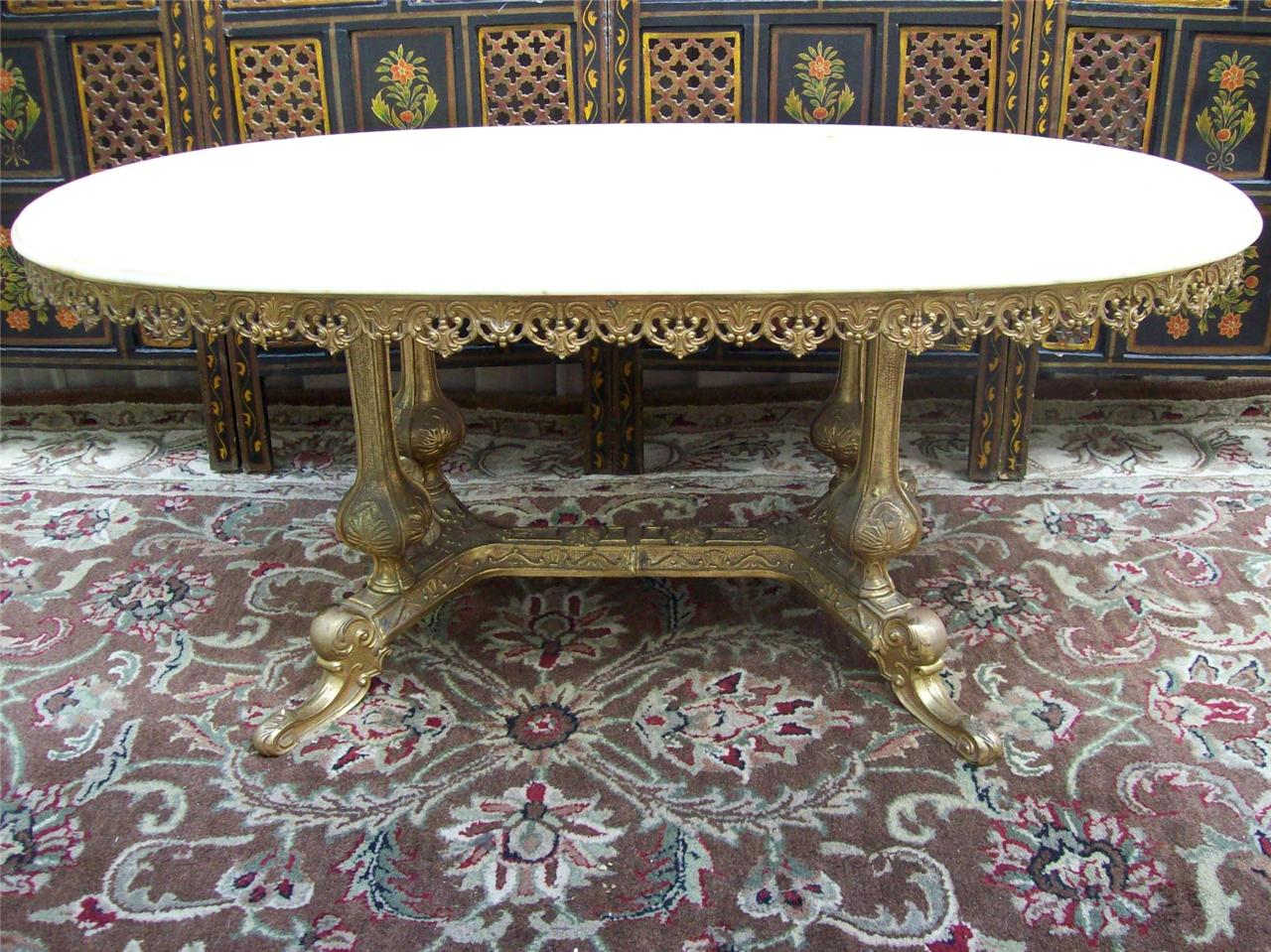 FRENCH PROVINCIAL STYLE MARBLE ORNATE BRASS GOLD OVAL COFFEE TABLE
