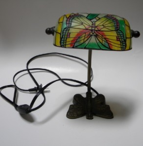 small butterfly desk table lamp night light stained glass. Black Bedroom Furniture Sets. Home Design Ideas
