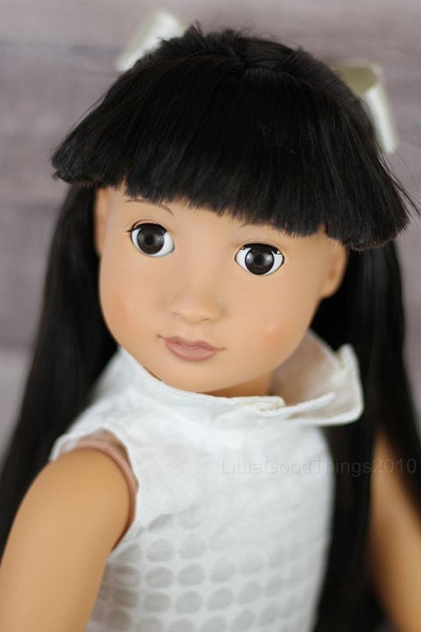 """我们的18代""""娃娃battat闪耀的黑头发棕色眼睛穿着w /鞋mustc"""