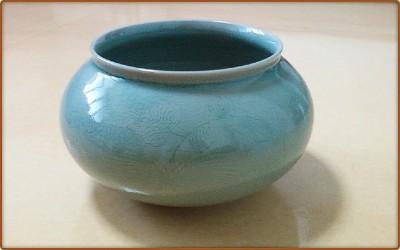 """Korean Goryeo celadon Vase : Goryeo Dynasty : 4.7 × 9.4 """" 1.71kg"""