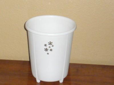 vintage mid century rubbermaid bathroom office bedroom wastebasket trash can ebay. Black Bedroom Furniture Sets. Home Design Ideas