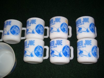 VINTAGE FIRE KING MILK GLASS MUG & BOWL BATMAN CROCKETT ETC 36 PC SET