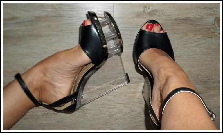 jawdropping black lucite wedge 8 8 5 anklestrap peep toe