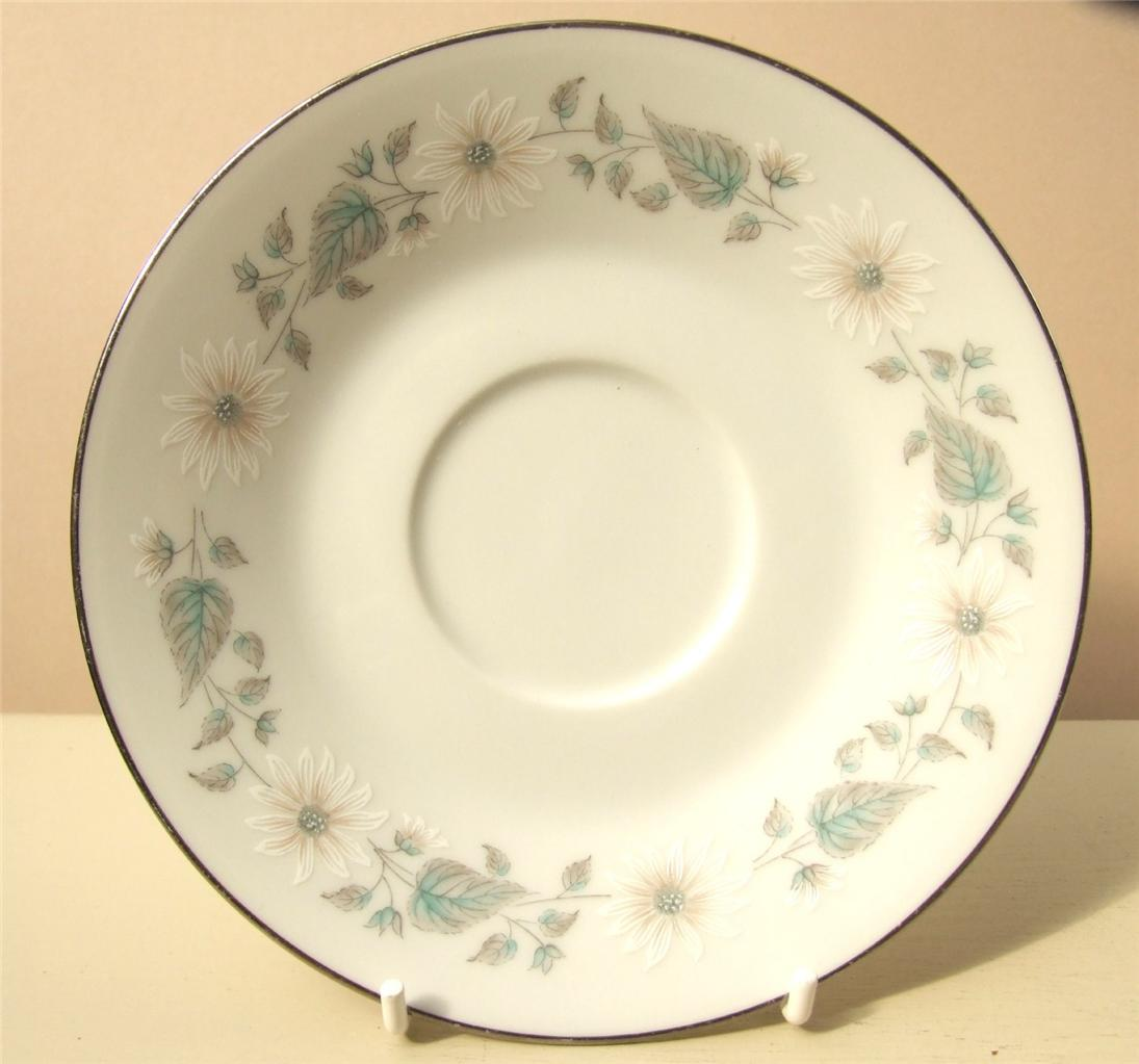 vintage shabby floral chic various china pieces mismatched tea sets ebay. Black Bedroom Furniture Sets. Home Design Ideas