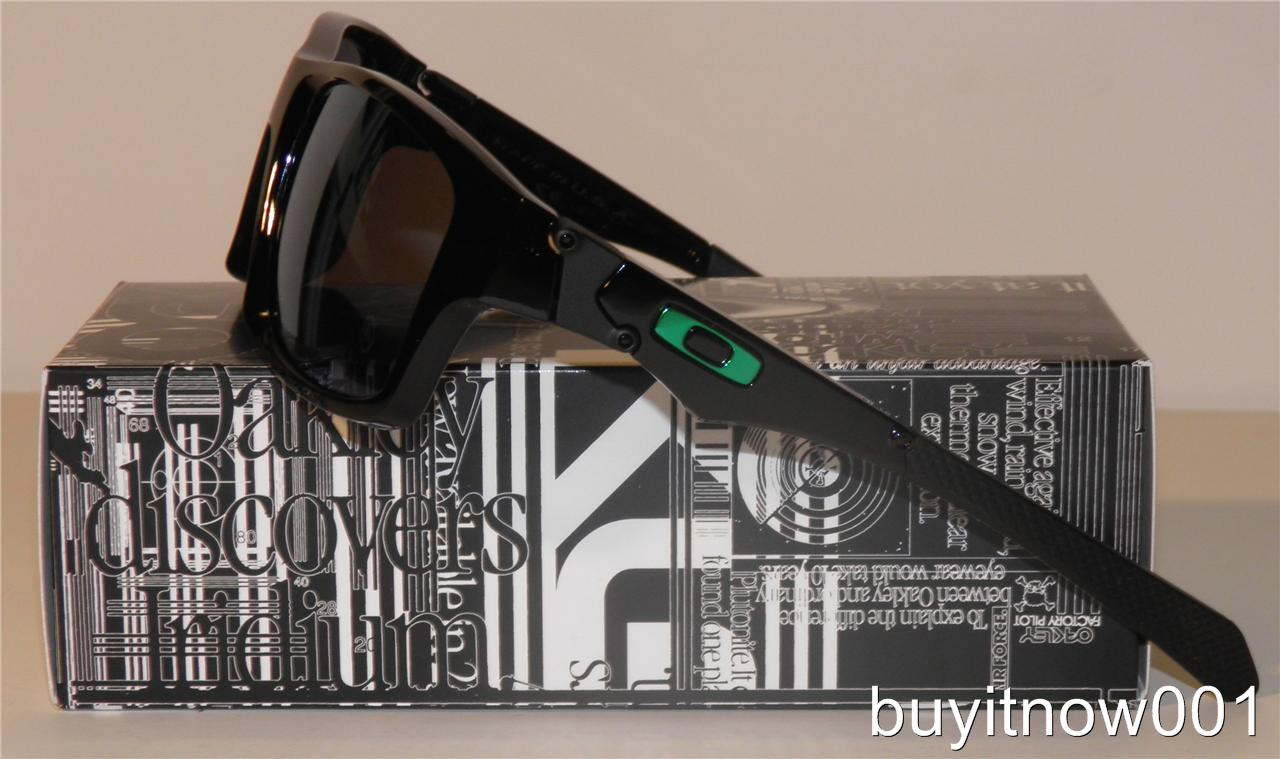black oakley gloves  black  lens- jade iridium