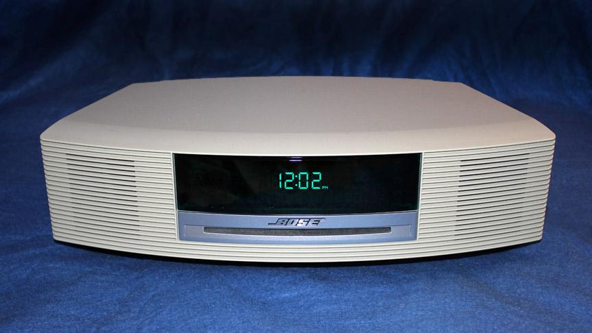 bose wave radio am fm iphone ipod cd player alarm clock. Black Bedroom Furniture Sets. Home Design Ideas