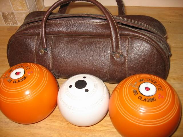 orange-set-of-2-7-vintage-Metrolite-J2-Classic-Crown-Green-Bowls-with-Jack-Bag