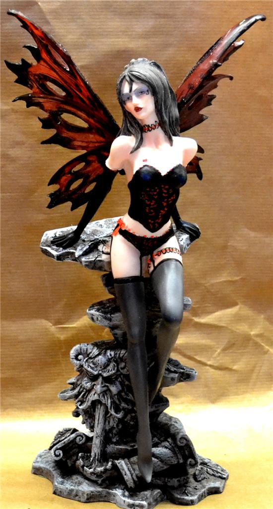 SEXY-SCARLET-BASQUE-SUSPENDERS-FAIRY-FIGURE-Faerie-Nemesis-Now-Gothic-Angel