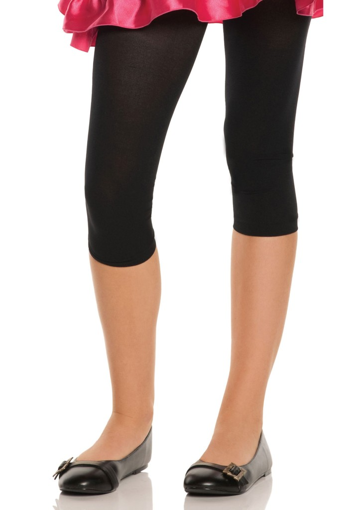 3/4 Length Yoga Pants 3/4 length pants are a very versatile length. Most women have at least 1 or 2 pairs of these pants in their wardrobe. We have a huge range of 3/4 length pants to offer you at Divine Goddess Yoga Products.